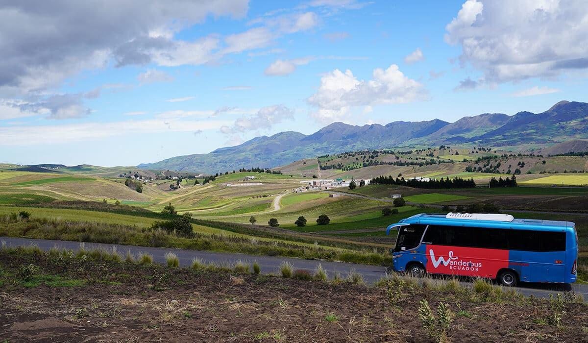 Baños to Quito bus