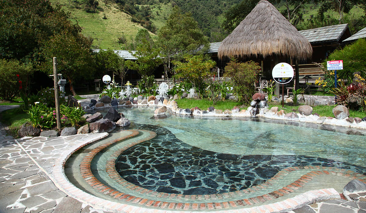 Papallacta hot springs day trip
