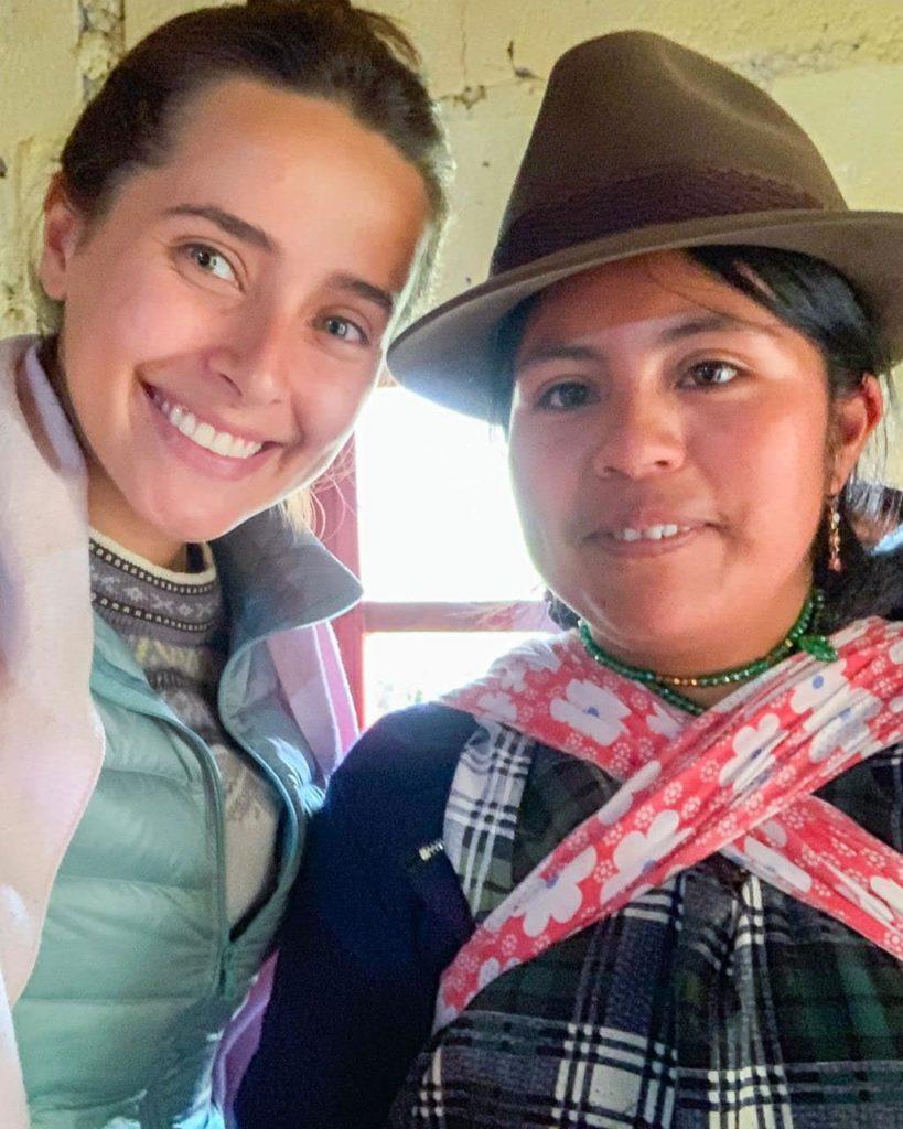 Travellers into closer contact with Ecuadorians